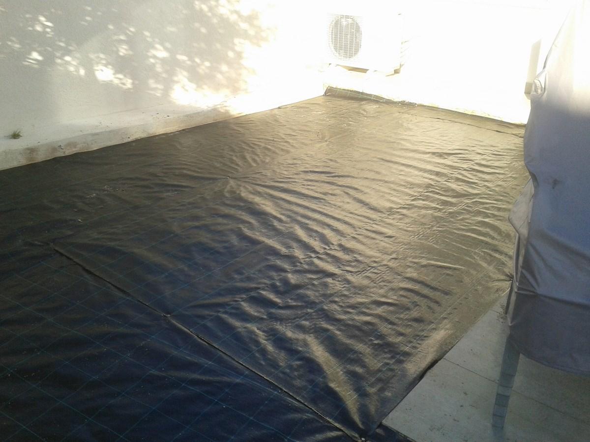 pose d 39 un gazon synth tique m moire de forme marseille la pose gazon synth tique gazon et. Black Bedroom Furniture Sets. Home Design Ideas