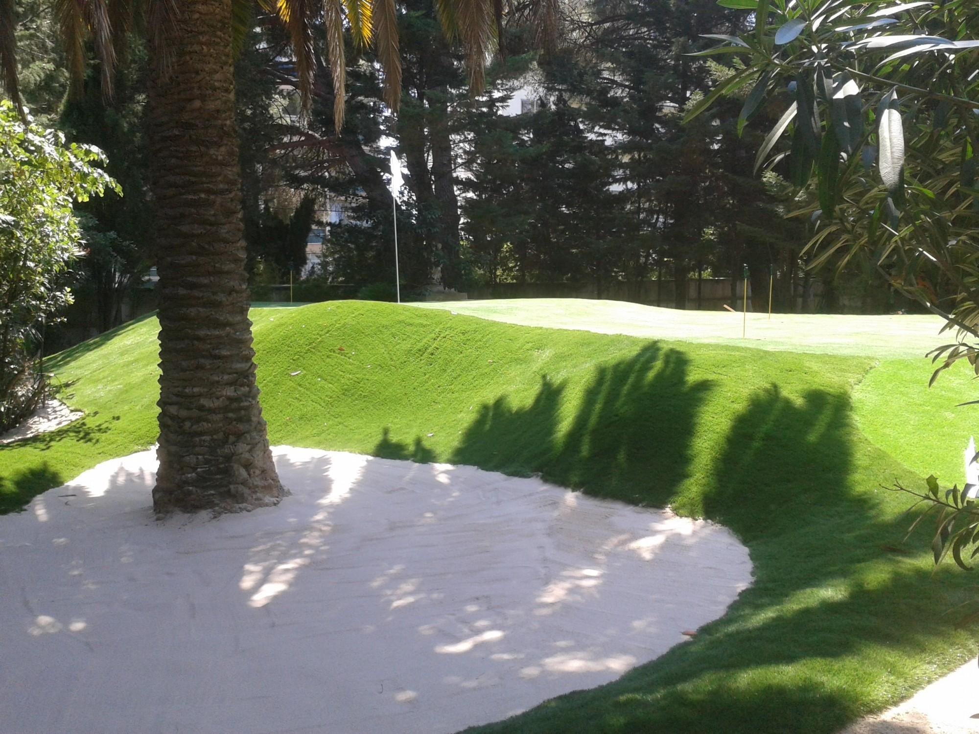 golf synthetique gazon et pelouse synth tiques marseille. Black Bedroom Furniture Sets. Home Design Ideas
