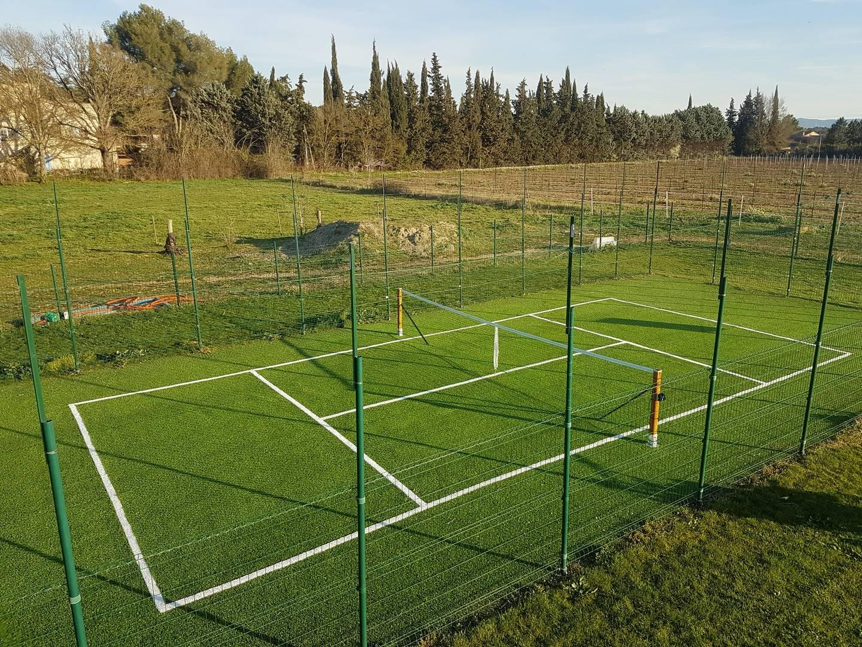 terrain de tennis privé à Aix en Provence dans les Bouches du Rhône, 13