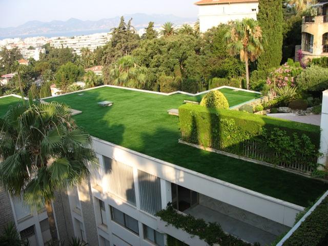 le plus beau gazon synth tique la pose gazon synth tique gazon et pelouse synth tiques marseille. Black Bedroom Furniture Sets. Home Design Ideas