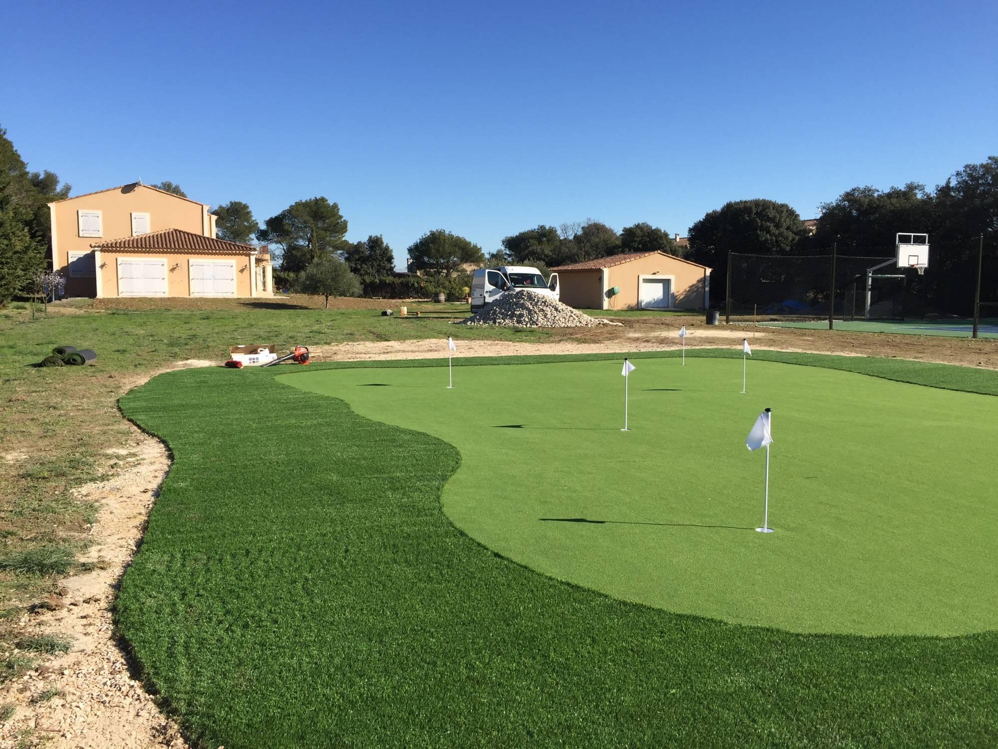 green de golf synthétique en PACA