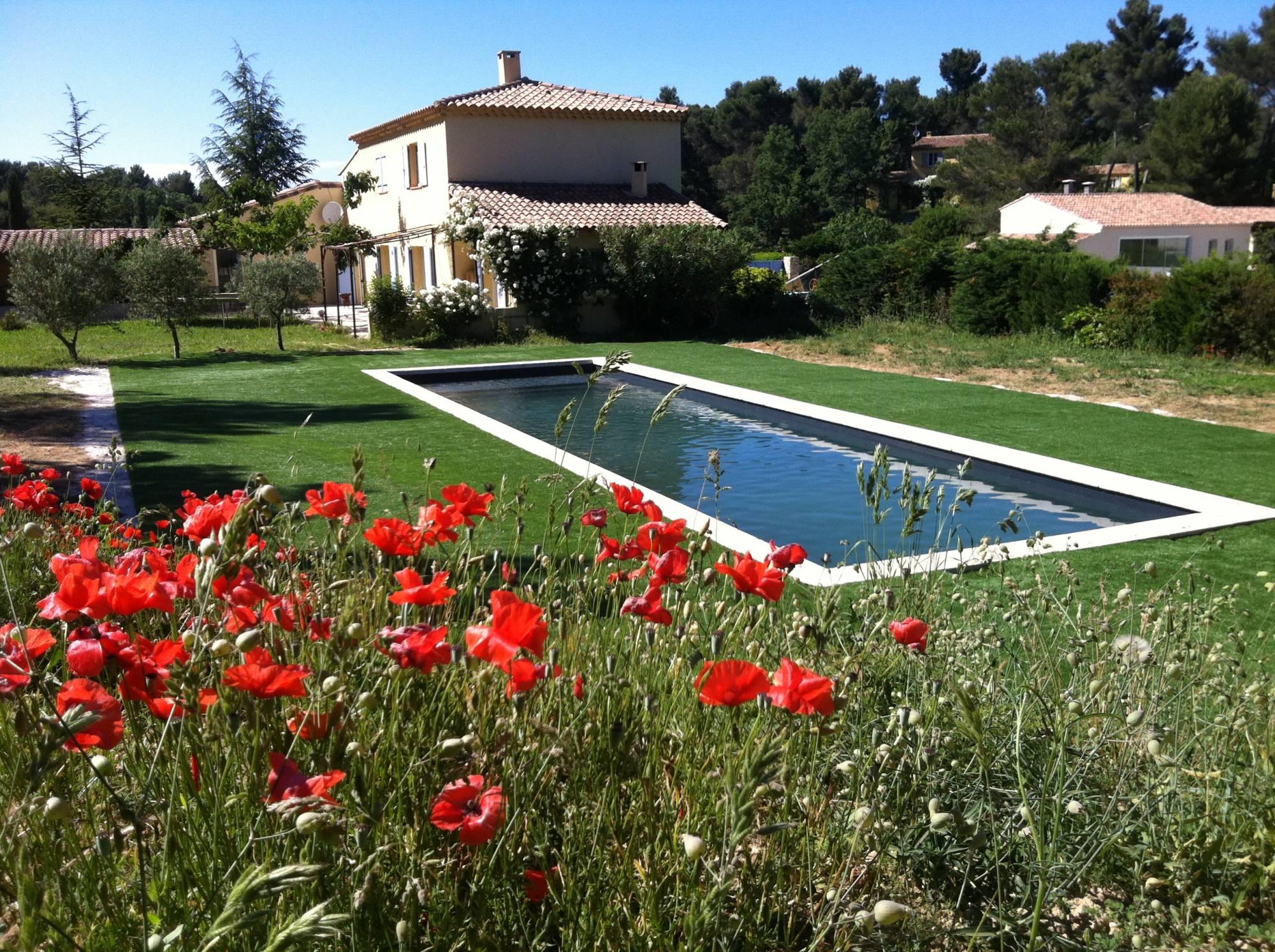installateur de gazon synthétique à Aix en Provence dans les Bouches du Rhône, 13