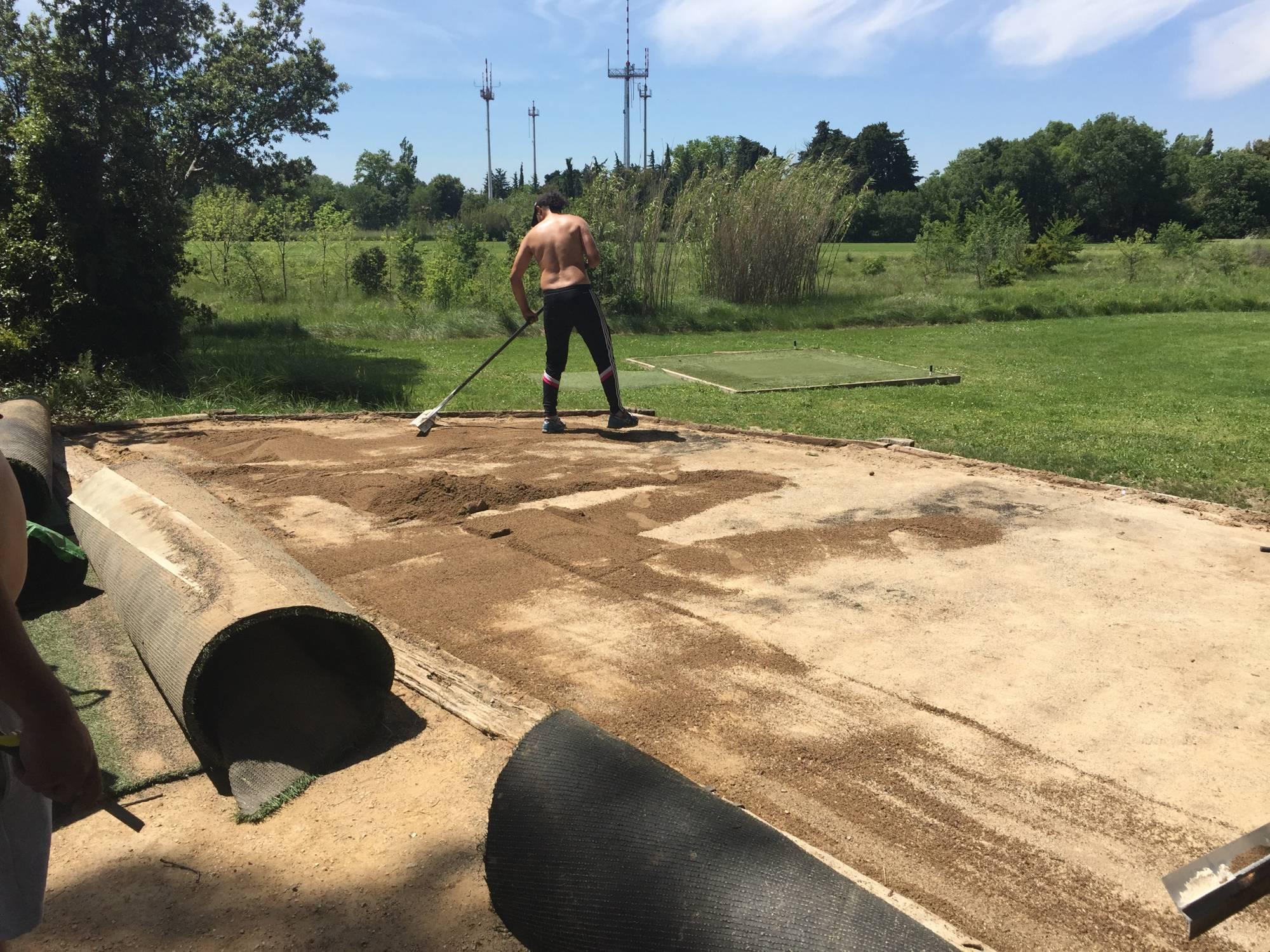départs synthétiques de golf au golf de l'armée de l'Air à Salon de Provence