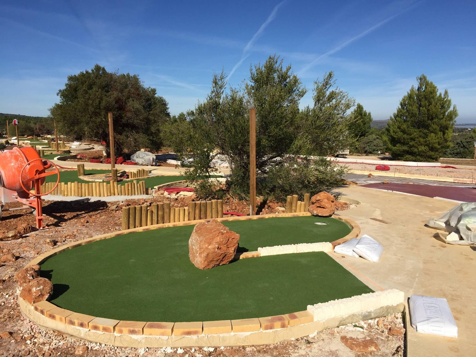 revêtement pour pistes de mini-golf
