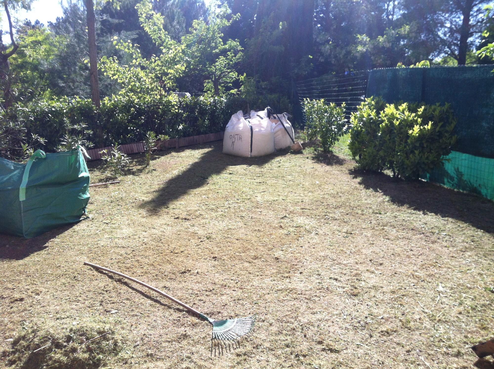 100 preparer terrain pour gazon en gazon synth tique pose entretien pe - Preparation sol pour gazon synthetique ...