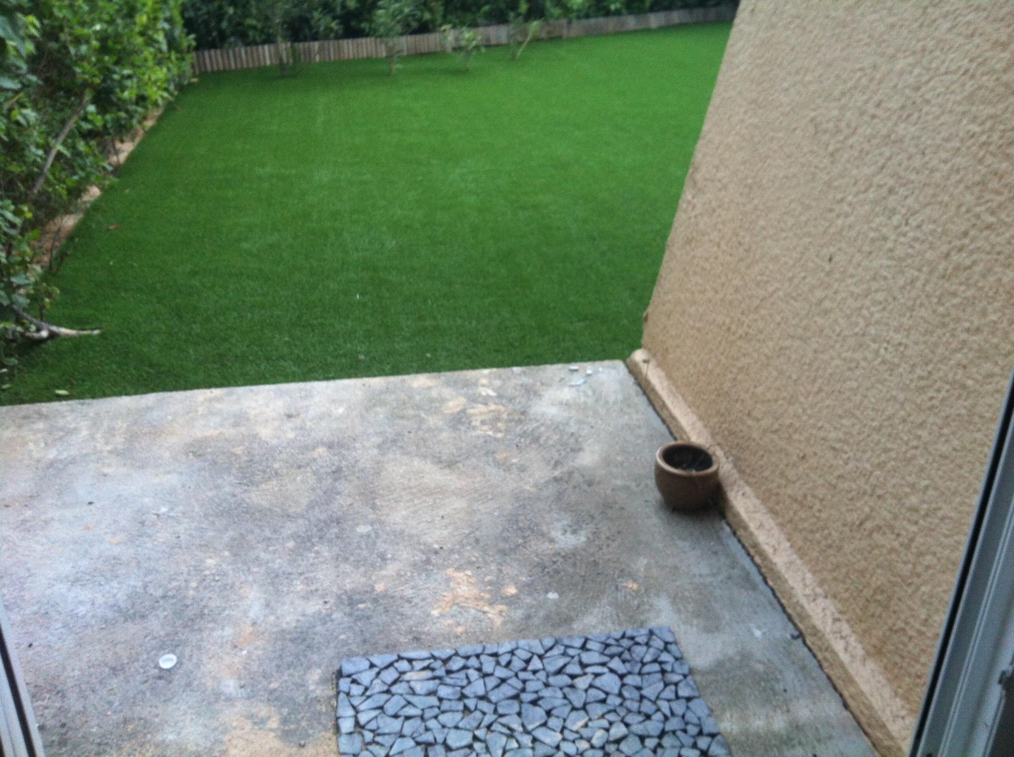 installation d 39 un petit jardin en gazon synth tique aix en provence la pose gazon synth tique. Black Bedroom Furniture Sets. Home Design Ideas