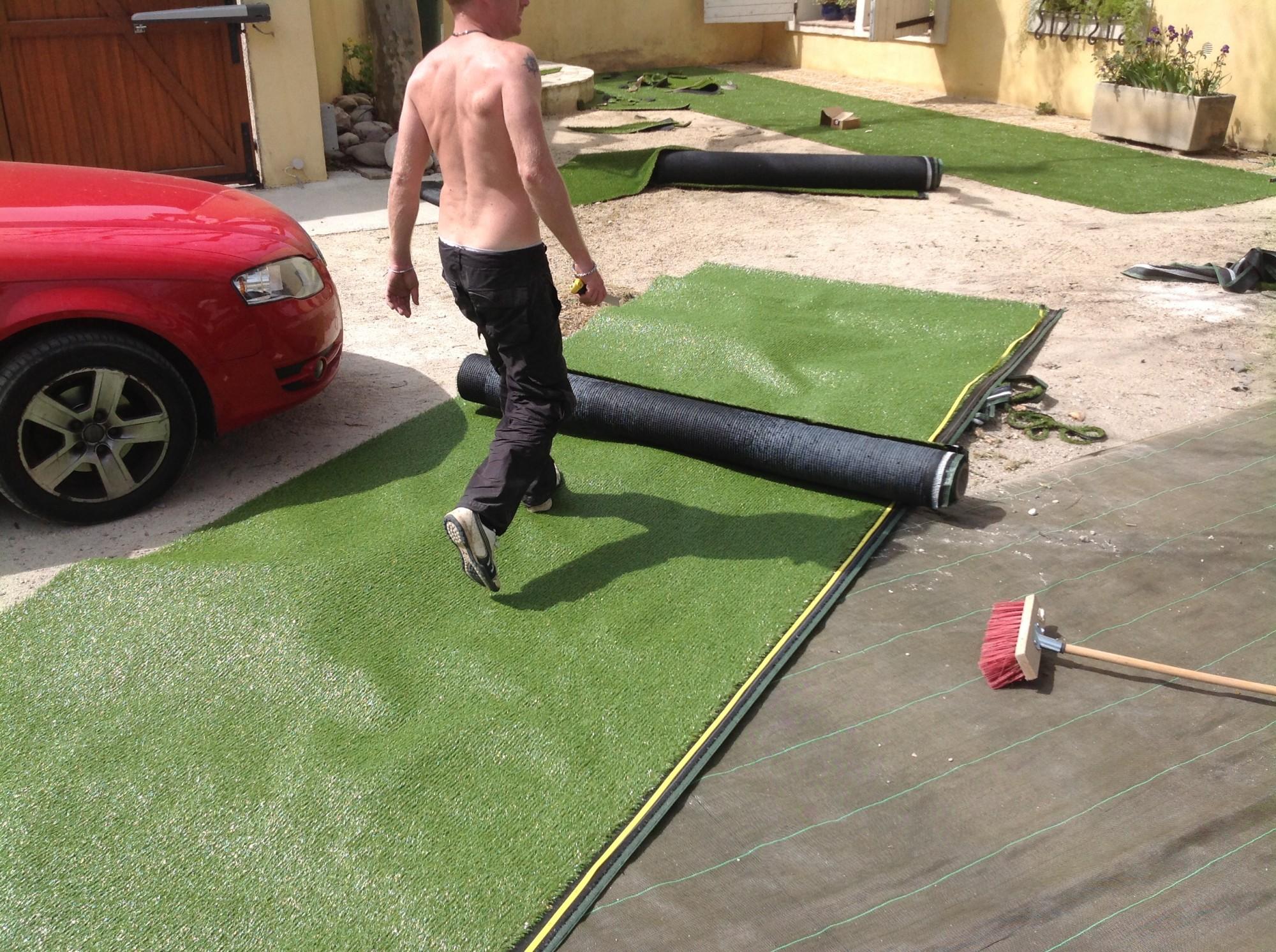 Univers gazons : installateur de pelouses synthétiques