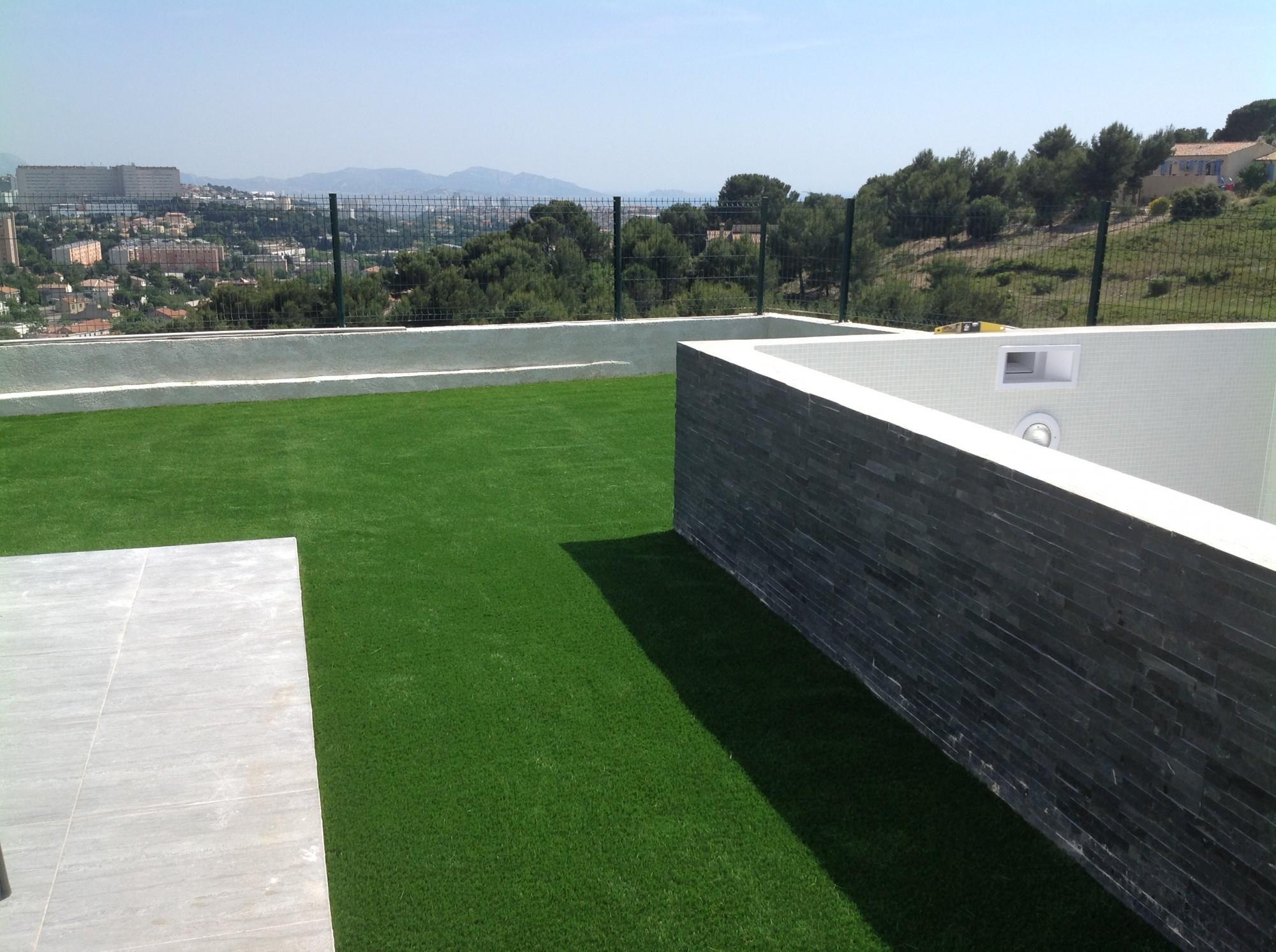 pose de pelouse artificielle Marseille