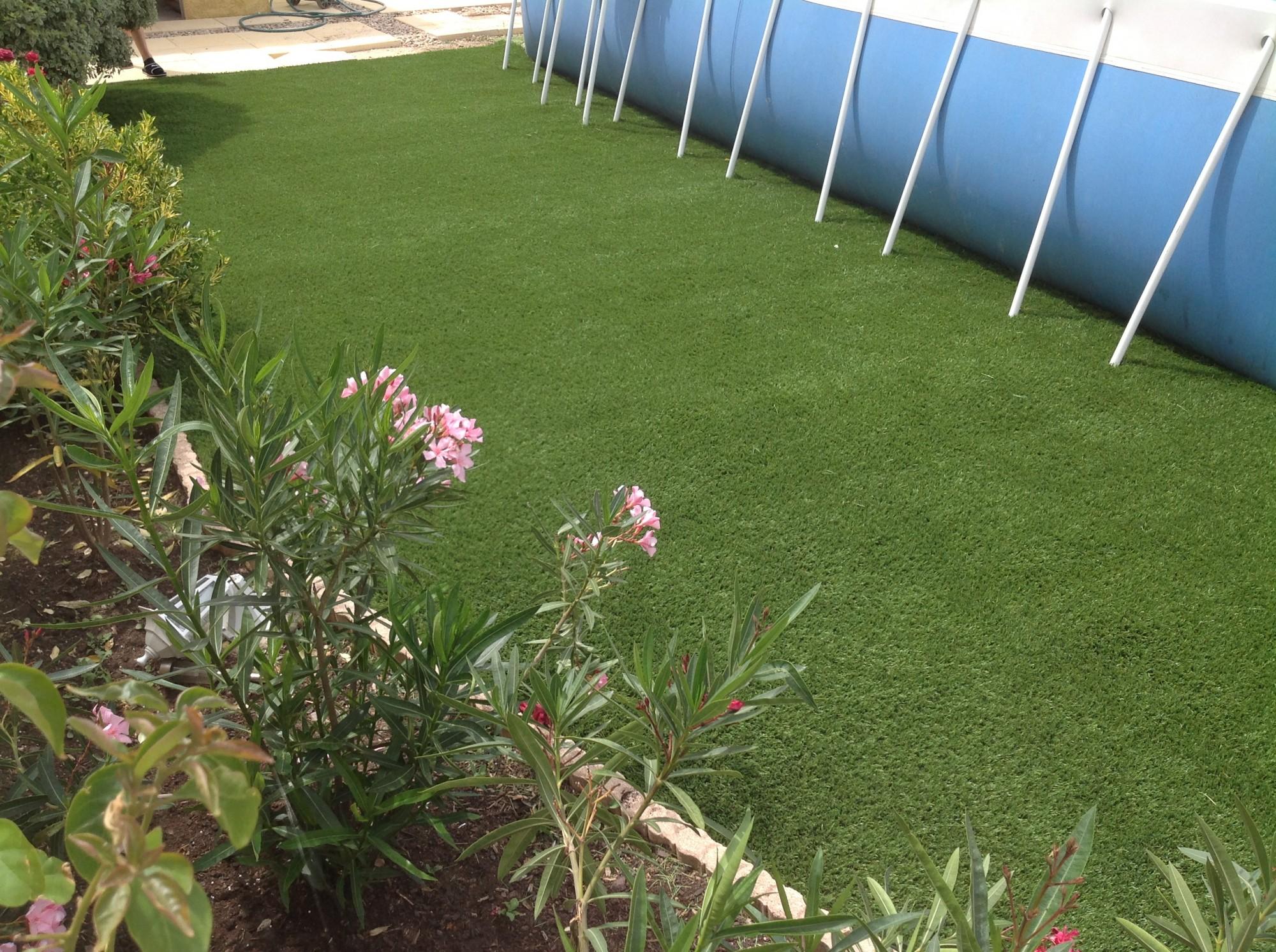 Poseur de pelouse artificielle à Cannes