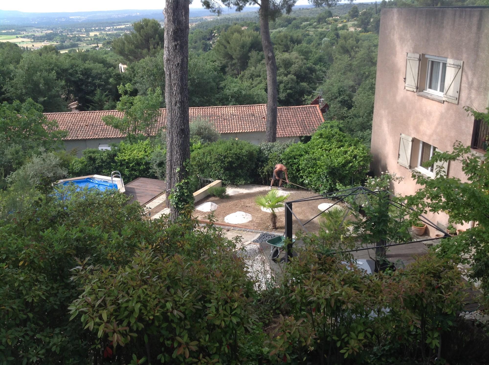 Pose d'une pelouse artificielle à Aix en Provence