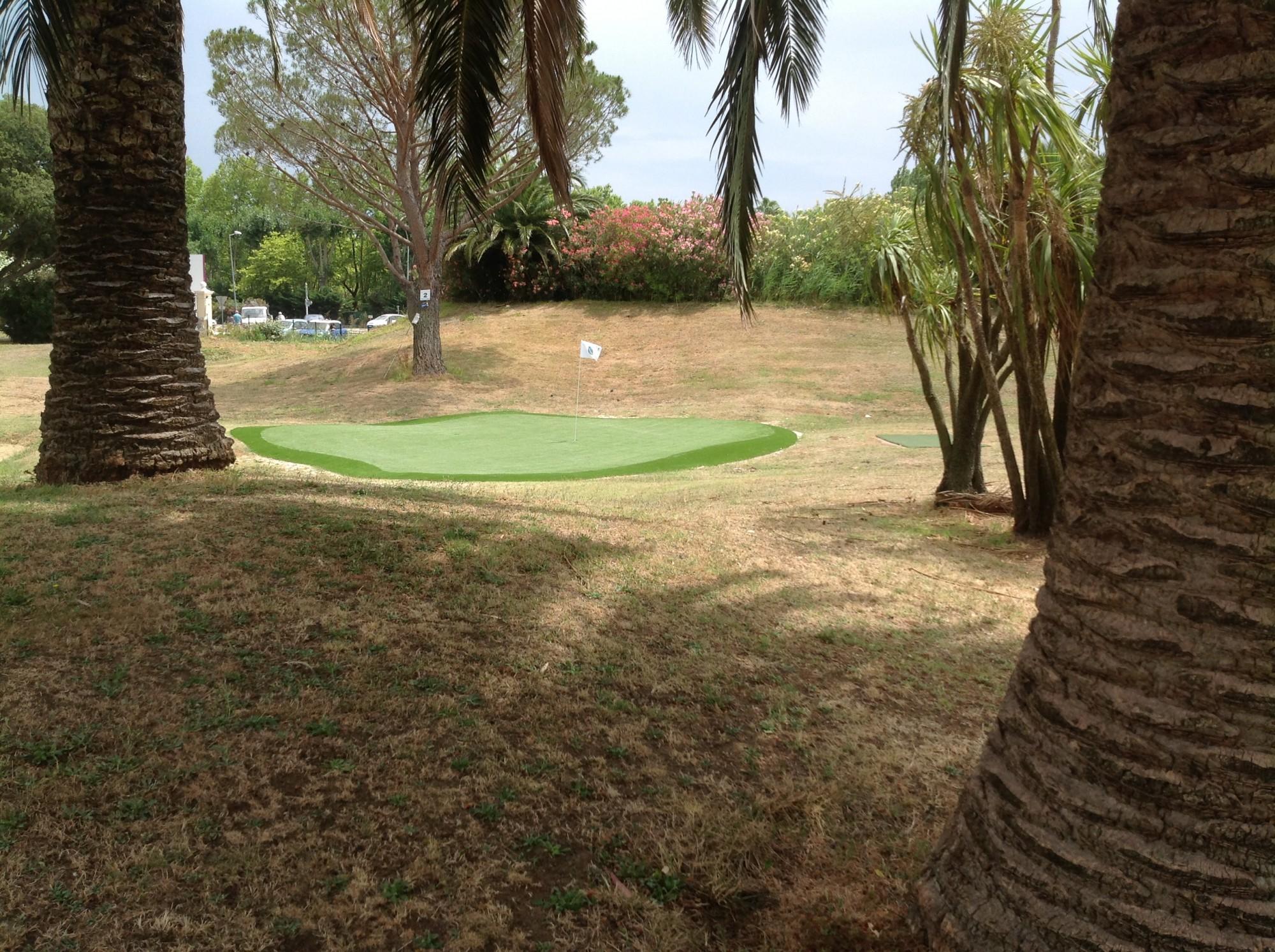 golf synthetique gazon et pelouse synth tiques marseille univers gazons. Black Bedroom Furniture Sets. Home Design Ideas
