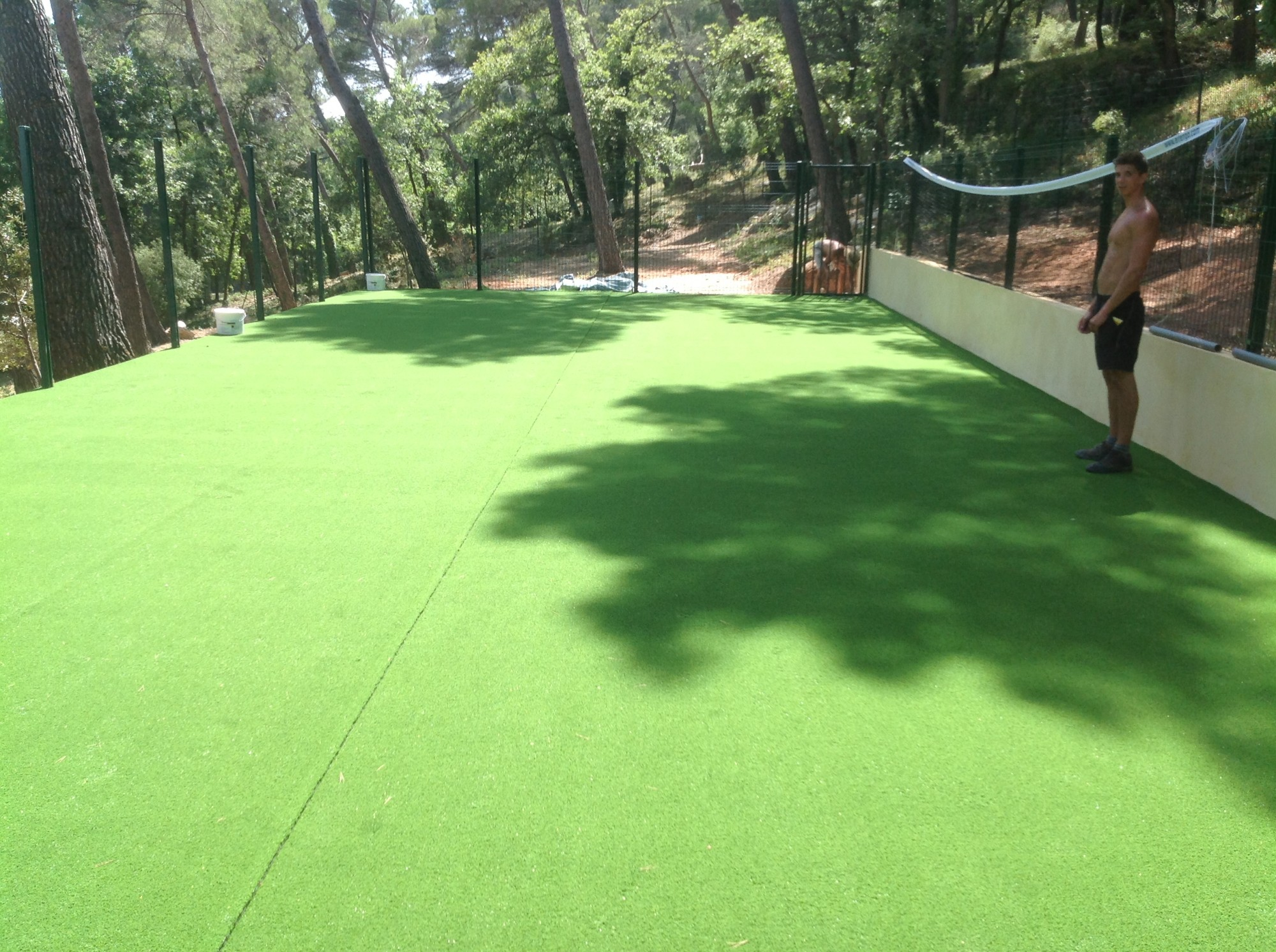 Installation d 39 un mini terrain de tennis aix en provence tennis padel s - Sable pour gazon synthetique ...