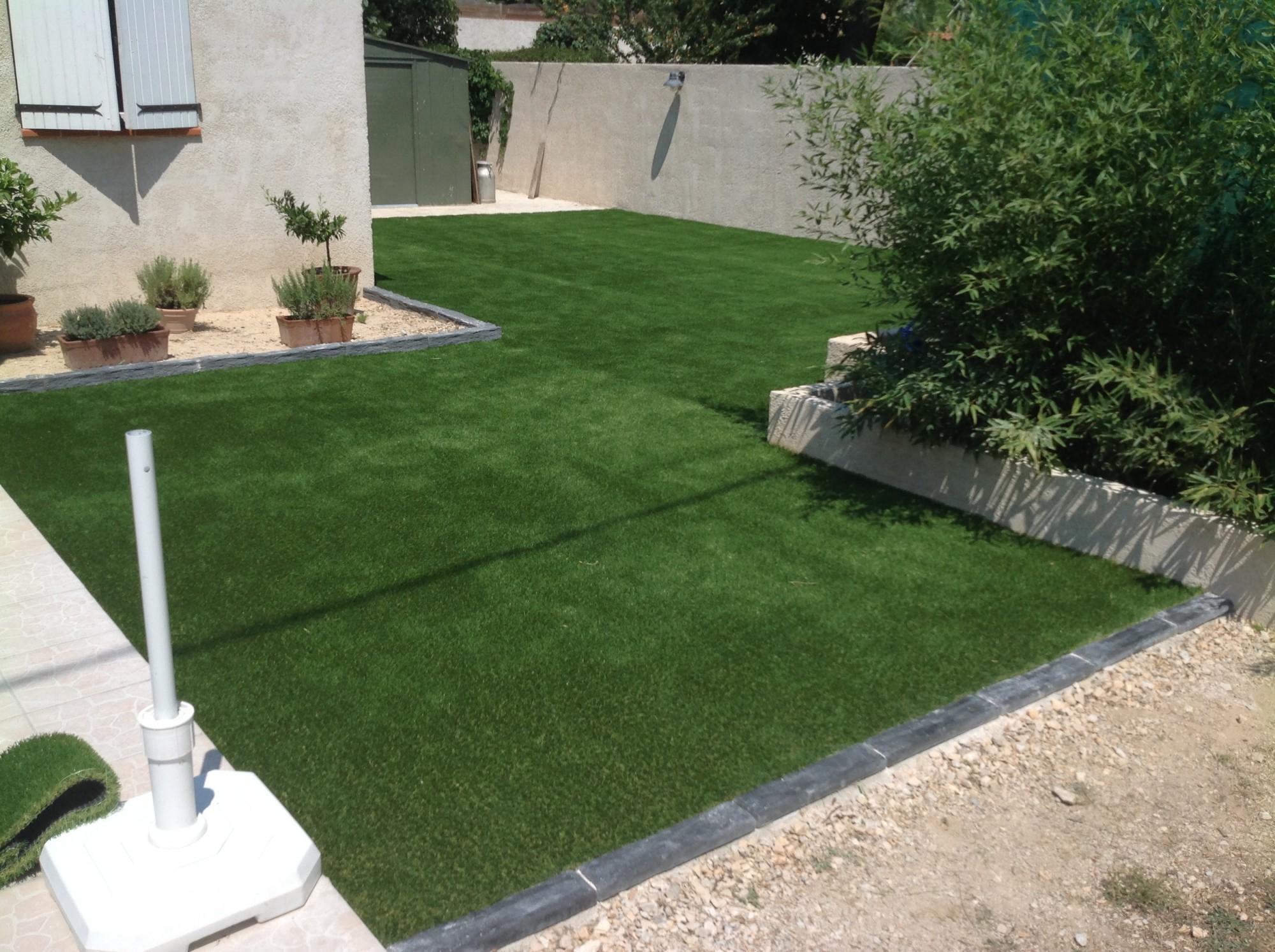 Poseur de pelouse synthétique à Nice