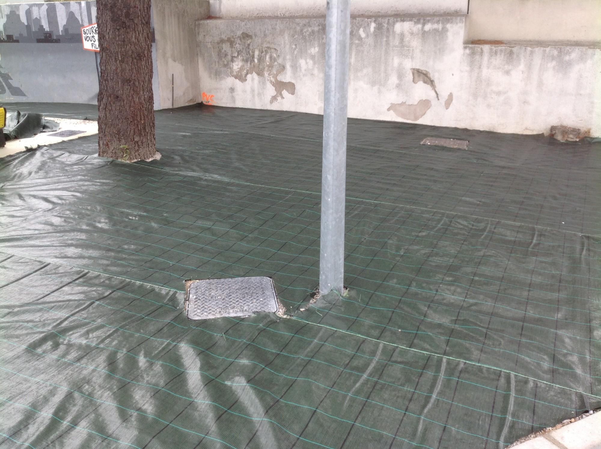 Installation de gazon artificiel pour une station service à Montpellier