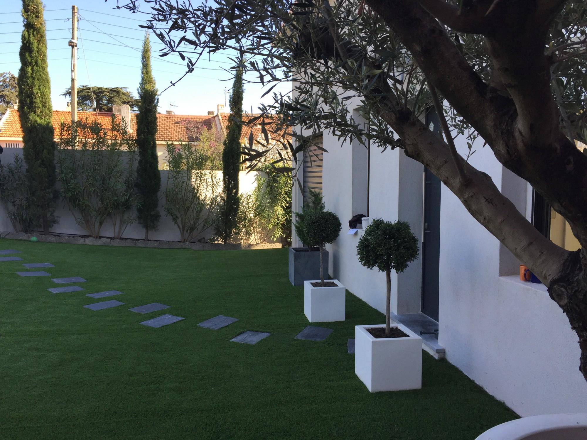 Pose gazon synthétique Aix en Provence