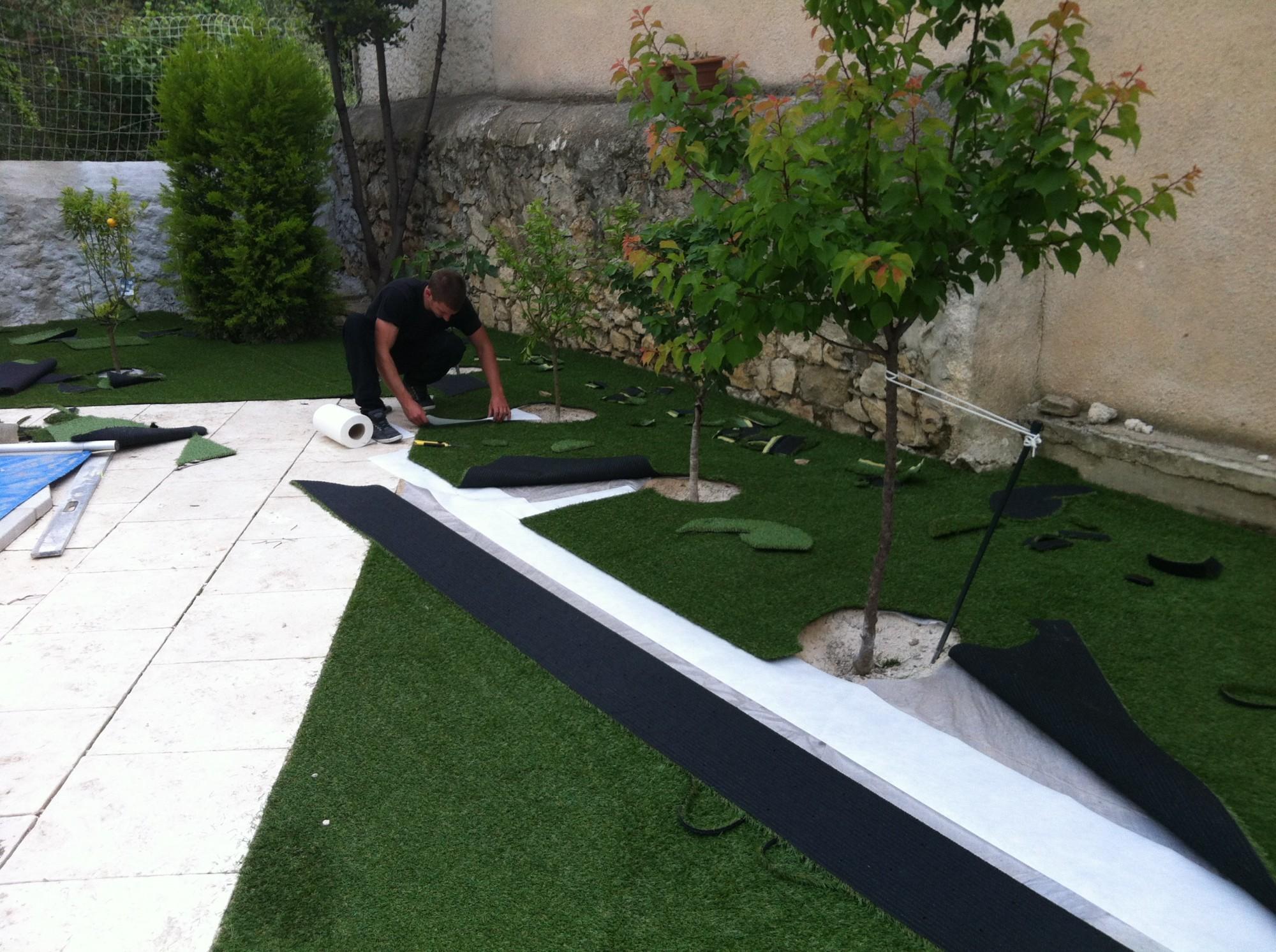 collage des joints gazon et pelouse synth tiques marseille univers gazons. Black Bedroom Furniture Sets. Home Design Ideas
