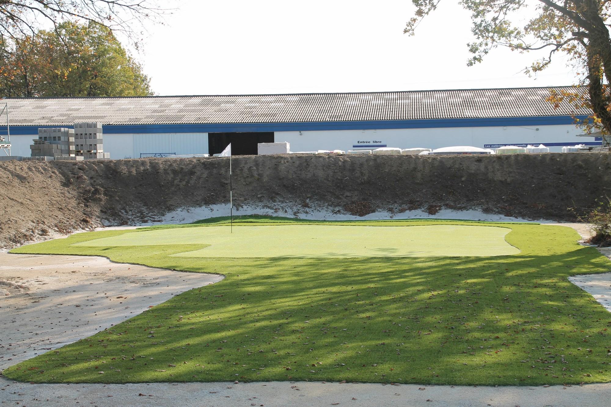 golf synth tique 9 trous des petites chaumes gazon et. Black Bedroom Furniture Sets. Home Design Ideas