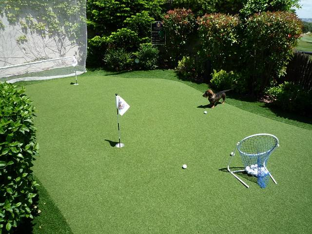 putting green synth tique real golf pro gazon et pelouse synth tiques marseille univers gazons. Black Bedroom Furniture Sets. Home Design Ideas