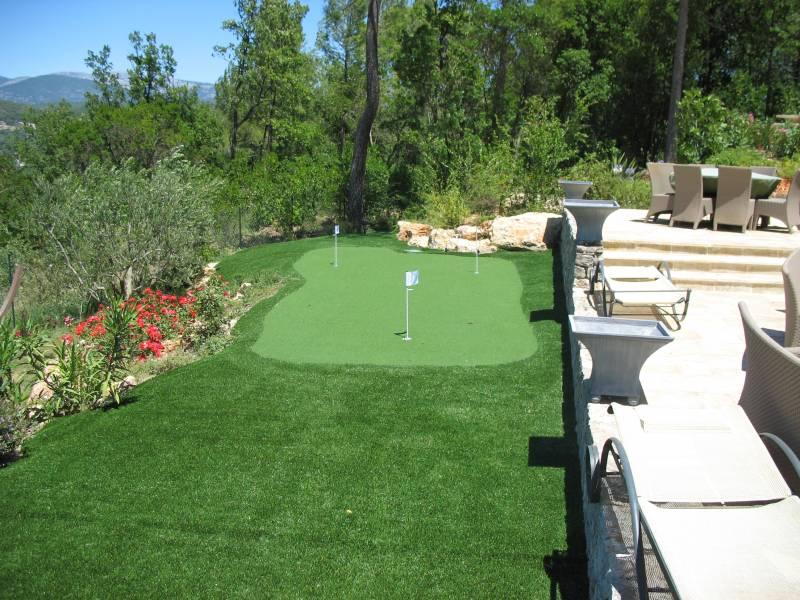 Putting Green Synthétique : Golf Pro 16 Mm Gazon Et Pelouse Synthétiques  Marseille   Univers Gazons