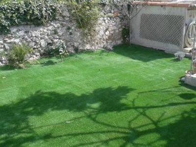 gazon synth tique pas cher pour jardin nice la pose gazon synth tique gazon et pelouse. Black Bedroom Furniture Sets. Home Design Ideas