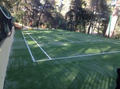 construction d'un terrain de tennis à Nice