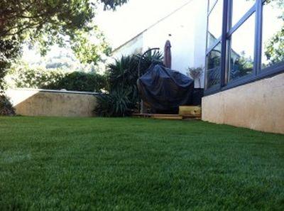 gazon synth tique pas cher pour jardin nice gazon et pelouse synth tiques marseille univers. Black Bedroom Furniture Sets. Home Design Ideas