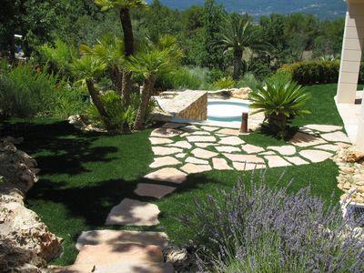 am nagement d 39 un jardin synth tique saint tropez var 83. Black Bedroom Furniture Sets. Home Design Ideas